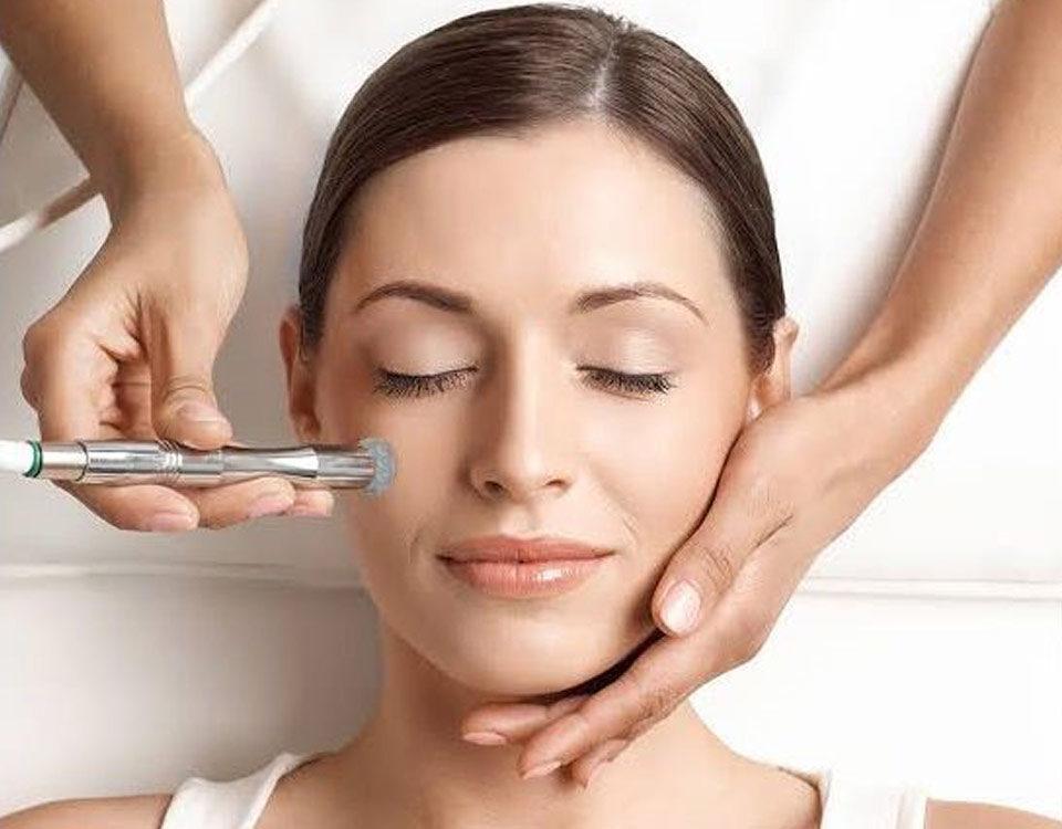 Microdermabrasie, voor een egale, stralende en gezonde huid